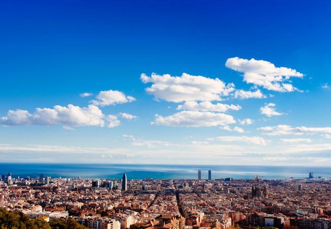 Ferielejlighed i Barcelona - PARLAMENT, balcony, Sant Antoni market.
