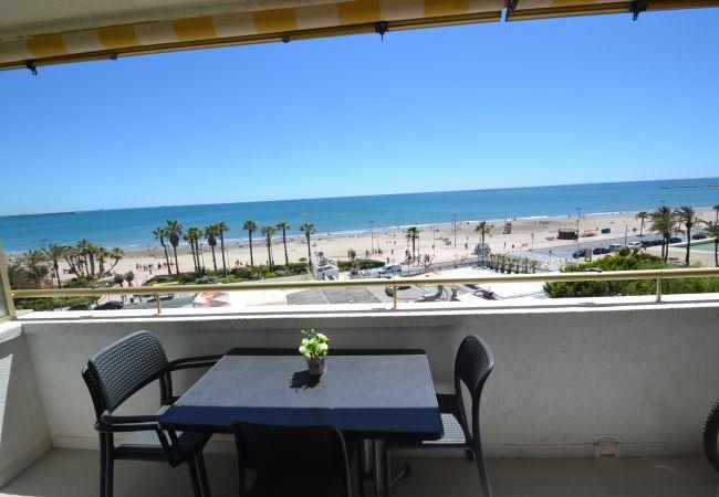 in La Pineda - Paradise Park 2:Terrazas vista mar-Playa La Pineda-Piscina-A/C,parking gratis