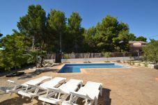 Villa in Ametlla de Mar - Villa Ametlla 9:Gran piscina privada con terraza y barbacoa-4Hab-Wifi-1.5km playas Las 3 Calas