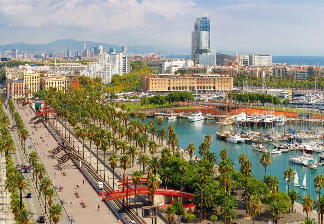 Ferienwohnung in Barcelona - PARLAMENT, balcony, Sant Antoni market.