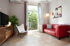 Alojamiento BORRELL, 4 habitaciones, 2 baños, balcón, Eixample, Barcelona