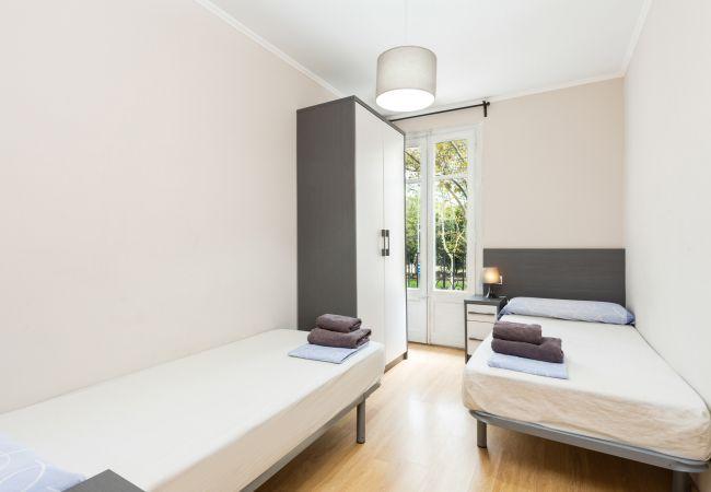 Ferienwohnung in Barcelona - CIUTADELLA PARK, 4 double bedrooms, green park