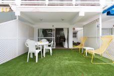 Ferienwohnung in San Bartolomé de Tirajana - Las Adelfas South Beach 2 by CanariasGetaway