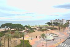 Appartement in La Pineda - Caspel: Terraza vista mar-Frente playa La Pineda-A/C gratis