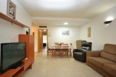 Appartement in Salou - Aquaria 3:Cerca playa,centro Salou-Piscina interior,exterior-Sauna,Jacuzzi-A/C,wifi,parking,ropa gratis