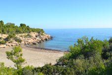 Villa in Ametlla de Mar - Villa Ametlla 6:Piscina privada Cerca Playas en Las 3 Calas-Terrazas,Barbacoa-Wifi,A/C gratis
