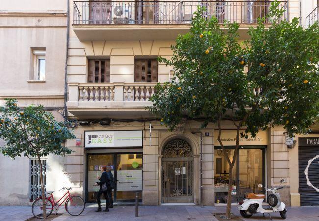 Appartement in Barcelona - GRACIA, classy & sunny, 2 bedrooms