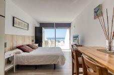Appartement in Las Palmas de Gran Canaria - Cómodo estudio encima del mar by CanariasGetaway