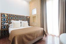 Rent by room in Sevilla stad - Casa Assle Suite Balcones 1
