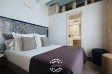 Rent by room in Sevilla stad - Casa Assle Suite balcones 2