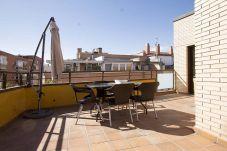 Appartement in Madrid - ATOCHA-M30- HOSPITAL GREGORIO MARAÑON. ATICO DUPLEX 7 PAX