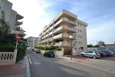 Apartamento en Salou - Mar y Luz:80m Playa Ponent y Paseo Marítimo-A/C,Wifi+Ropa gratis