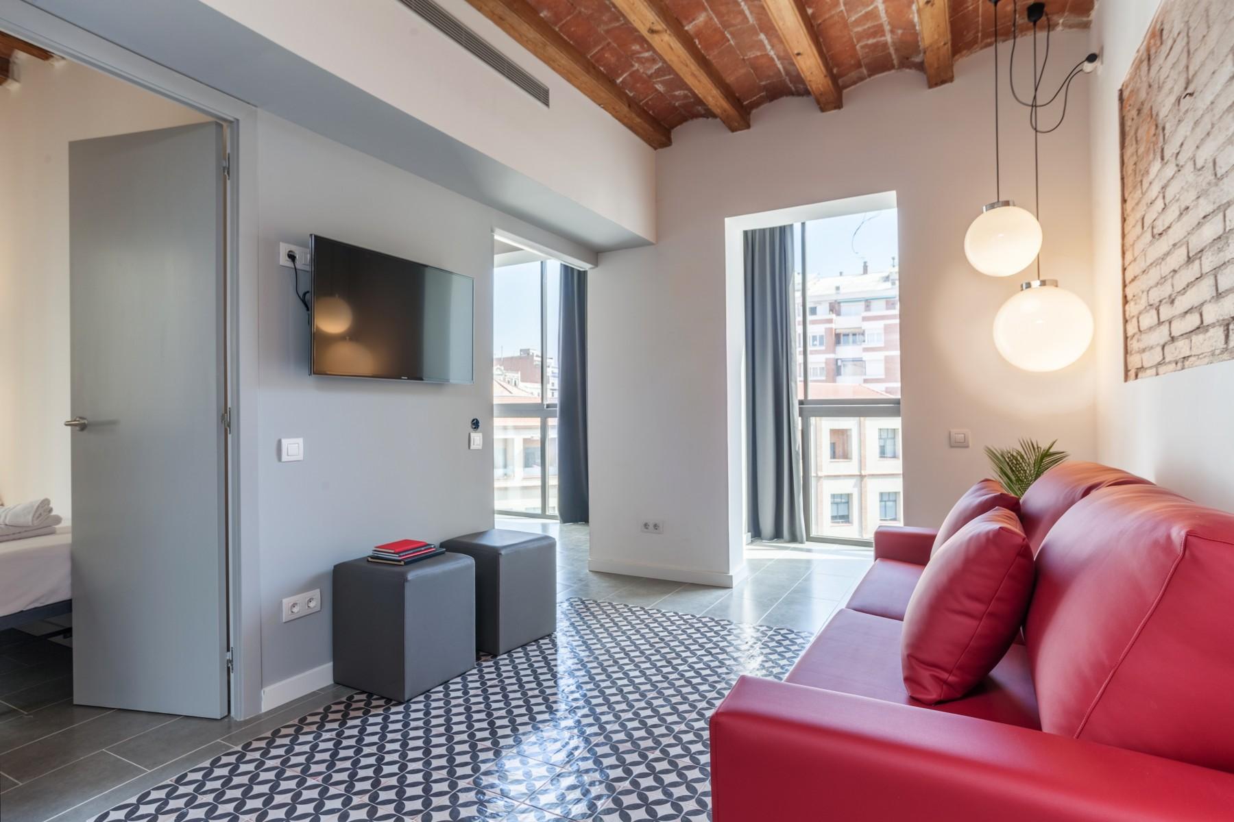 Piso moderno con terraza y piscina compartidos en eixample for Para desarrollar su apartamento con terraza