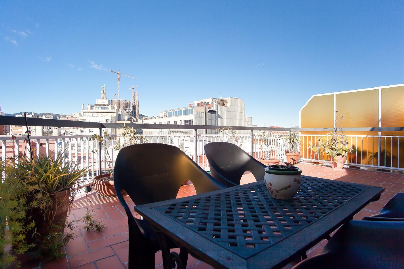 Atic Sagrada Familia Great Terrace Views