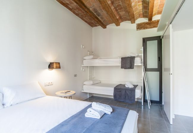 Apartamento en Barcelona - DELUXE piso en alquiler con terraza y piscina en Barcelona centro