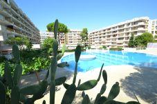 Appartement à Salou - Catalunya 34:Centre touristique Salou-Proche plage-Piscines,sports,jeux-Wifi et linge inclus