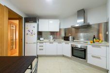 Appartement à Las Palmas de Gran Canaria - RENOVADO, LUMINOSO CON GIMNASIO, AZOTEA, WIFI A 1 MINUTO DE LA PLAYA 4F