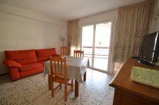 Studio à Salou - Formentor 3:Studio avec terrasse-50metres plage,centre Salou-Clim gratuit