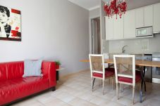Appartamento a Barcelona - SANT ANTONI, piso bonito, tranquilo y muy bien situado en Barcelona centro.