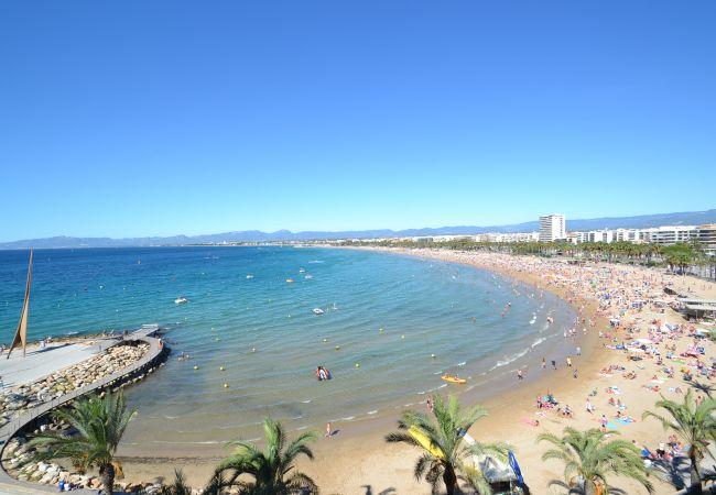 a Salou - California Salou: Terraza-Centro turístico-Cerca playa-A/C gratis