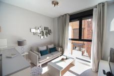 Apartamento em Madrid - M (JMC 5) APARTMENT 1 ROOM 2 PAX PARKING BERNABEU STADIUM - MADRID BUSINESS CENTER