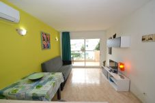 Apartment in Salou - Vancouver:Terrace-600m beach-2pools-Free wifi,A/C,linen,parking