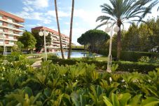 Apartment in Salou - Mimosas:Terrace-Pool,tennis court-Near Beaches-Wifi,A/C,Linen,Satellite included