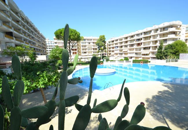 in Salou - Catalunya 34:Salou Tourist center-Near beach-Pools,sports,playground-Free wifi Linen
