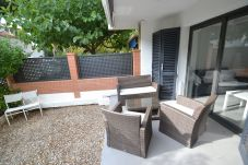 Apartment in Cambrils - Bela Mar PB:Terrace-Vilafortuny Cambrils Beach and Promenade at 70m-Wifi,parking incl.