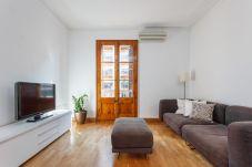 Apartment in Barcelona - Autentic catalan next to la Pedrera