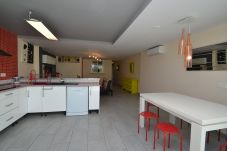 Apartment in Salou - Mirador 2:Ground floor with large terrace and bbq-Pool,playgrounds,sports-Free wifi,linen