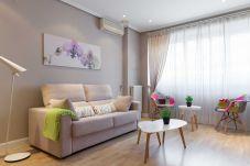 Apartment in Madrid - Cozy Apartment Madrid. Bº SALAMANCA, IFEMA. AEROPUERTO. 2 ROOMS- 6 PAX - ELEVATOR
