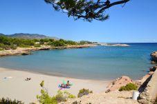 Villa in Ametlla de Mar - Villa Ametlla 20:Private Pool-Garden with barbecue area-Near Beach in Las 3 Calas-A/C