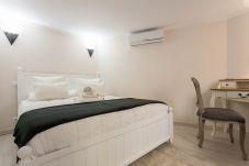 Apartment in Madrid - Apartment in Plaza Mayor Madrid M (POS26)