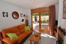 Villa in Ametlla de Mar - Villa Ametlla 8:Private Pool-Near Las 3 Calas beach-Terraces,BBQ-Free Wifi,A/C