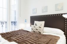 Apartment in Madrid - Apartment Madrid Downtown Puerta del Sol M (PRE3C)