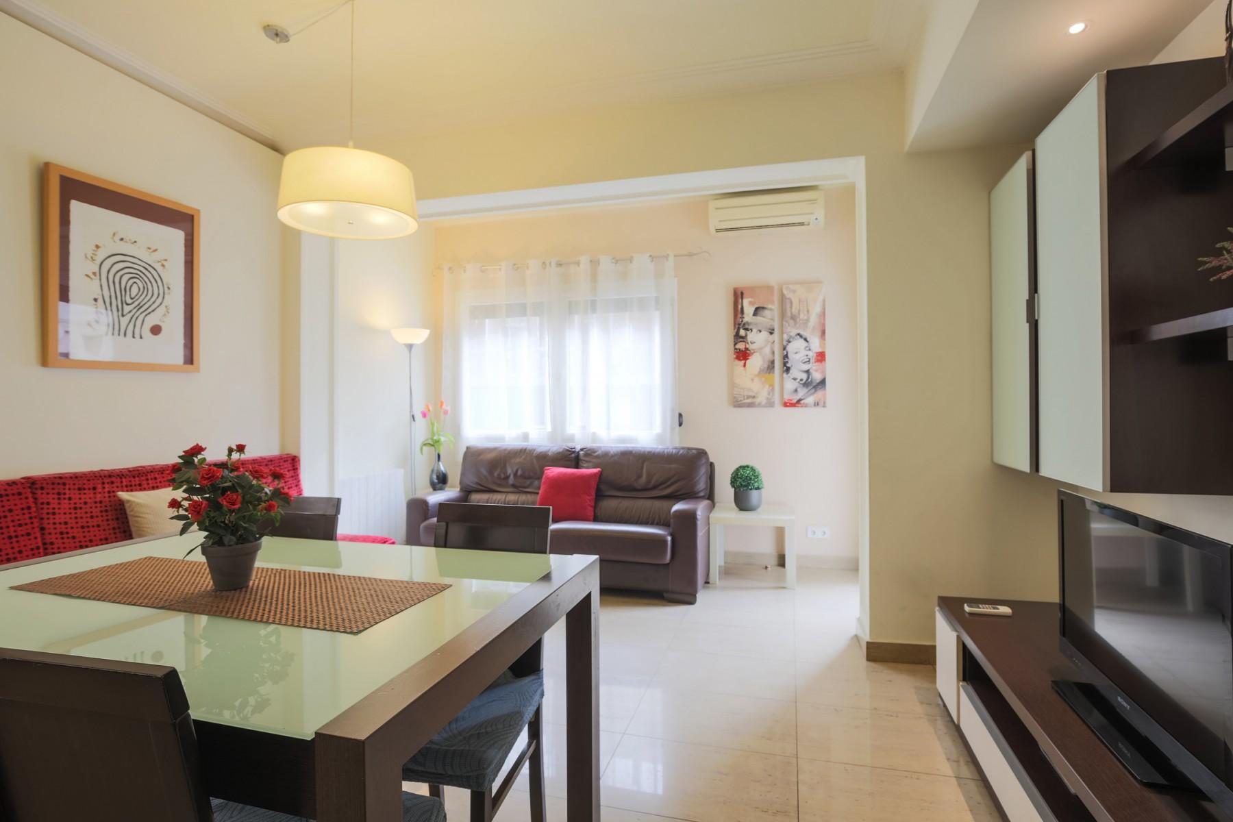 Wonderful Large And Bright Apartment In The Sant Antoni Neighborhood, Barcelona ...