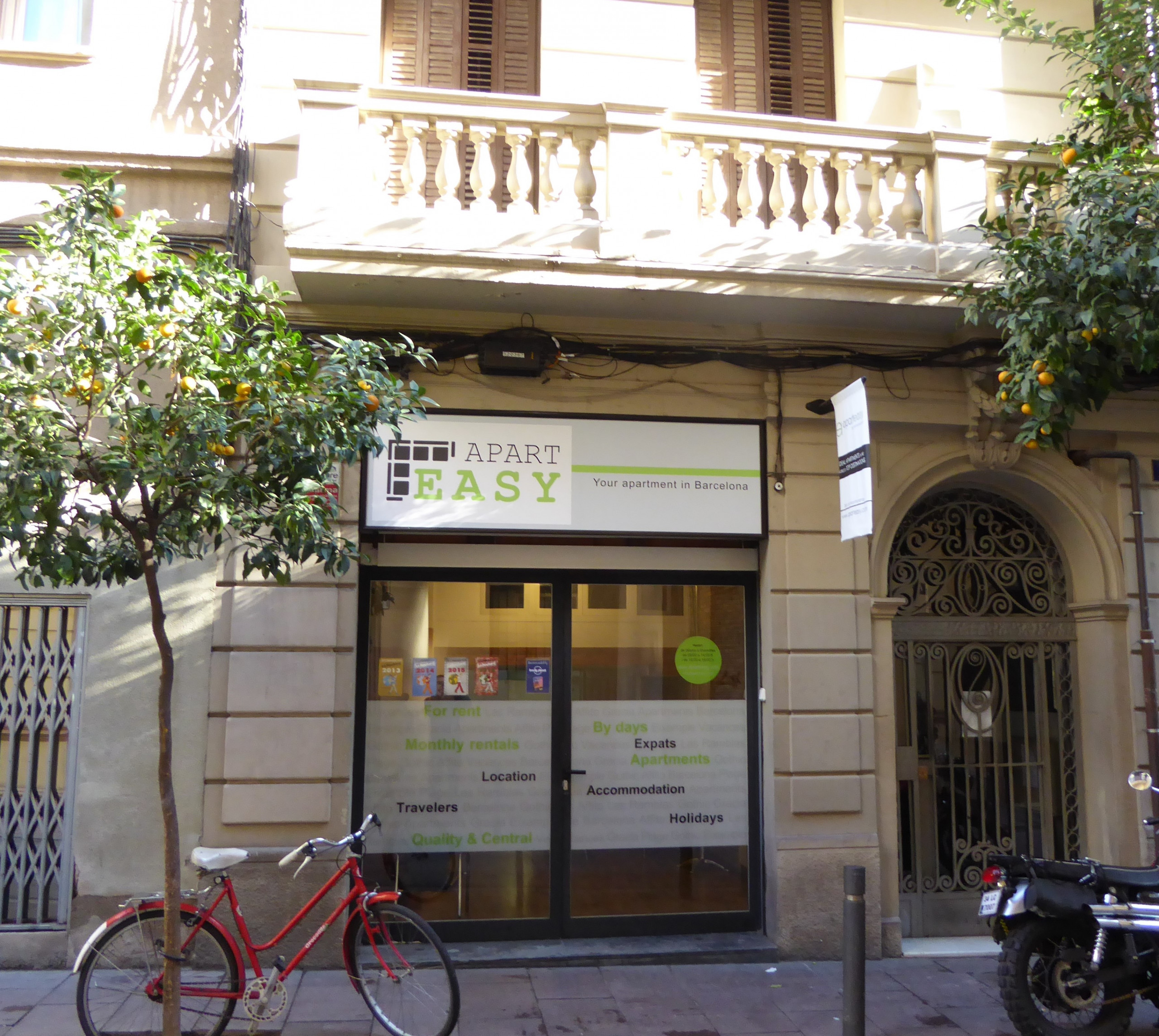 Barcelona Apartments: Characteristic Flat Of The Gracia Neighborhood In Barcelona