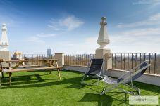 Apartment in Barcelona - Family CIUTADELLA PARK, 4 bedrooms large flat in Barcelona center.