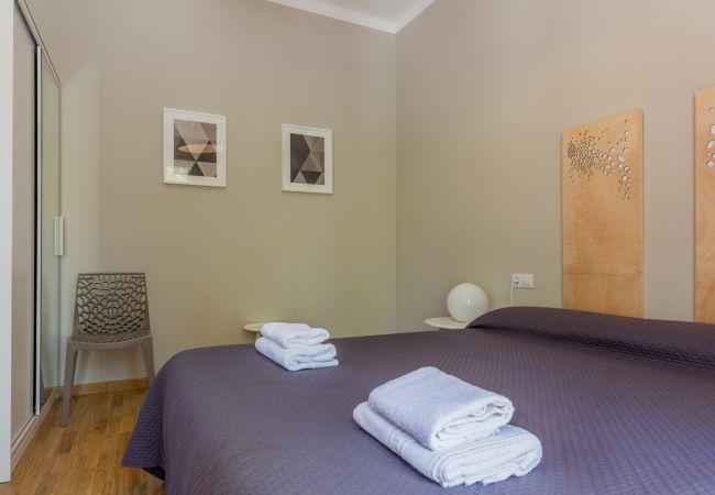 Apartment in Barcelona - CIUTADELLA PARK, 4 bedrooms, park views