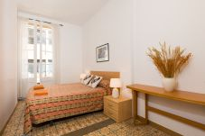 Apartment in Barcelona - GRACIA SANT AGUSTÍ, 3 bedrooms flat for rent by days in Barcelona center, Gracia