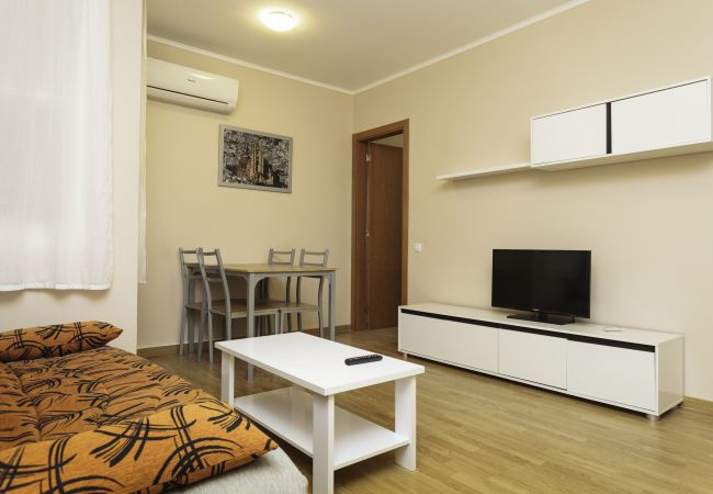 Living room apartment in Barcelona close to beach