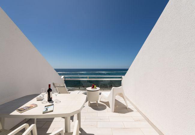 in Las Palmas de Gran Canaria - Comfortable studio right in the sea by CanariasGetaway