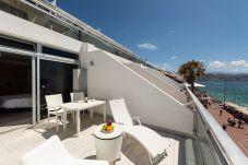 Apartment in Las Palmas de Gran Canaria - COMFORTABLE STUDIO RIGHT IN THE SEA