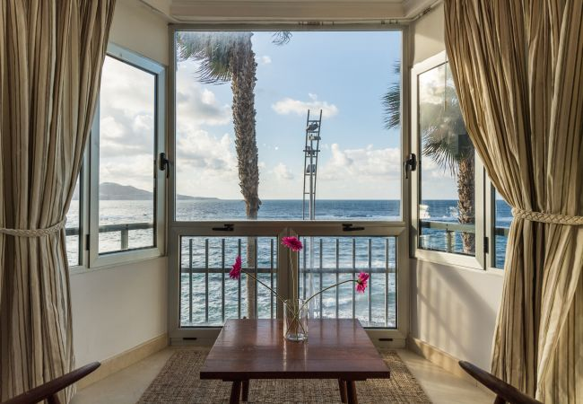Apartment in Las Palmas de Gran Canaria -  FIRST ROW - 2 BR WITH INCREDIBLE SEA VIEWS