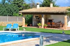 Country house in Pollensa / Pollença - Can Roig-Majorcan villa with a beautiful garden and swimmingpool 041