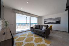 Apartment in Telde - El Echadero-Salinetas. Terrace with sea views + wifi