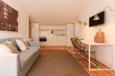 Combro Suites III by Homing