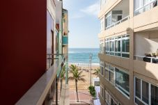 Apartment in Las Palmas de Gran Canaria - COZY AND EQUIPPED NEXT TO THE BEACH. WIFI