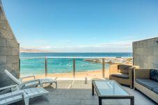 Apartment in Las Palmas de Gran Canaria - Great terrace in front of the beach by CanariasGetaway